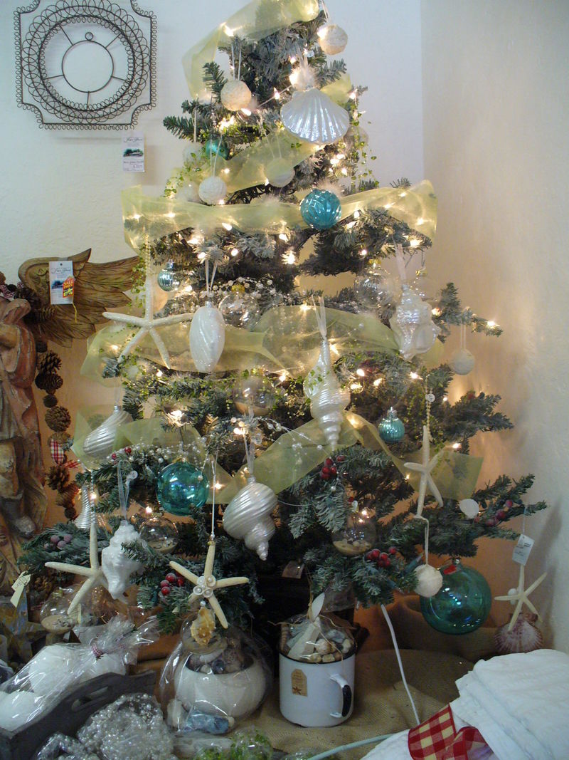 Beach Themed Christmas Tree Could Be Fun